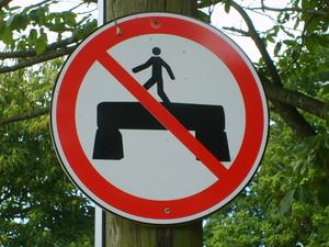 Non Aux Climbing sur les Megaliths.jpg